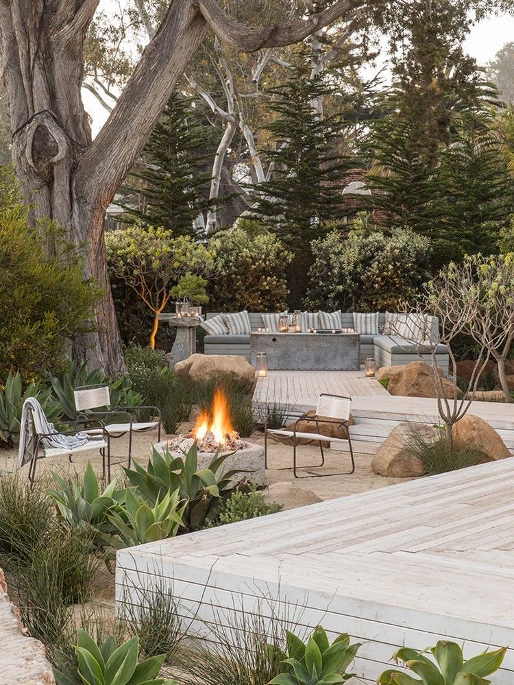 BOOK REVIEW: The Art of Outdoor Living